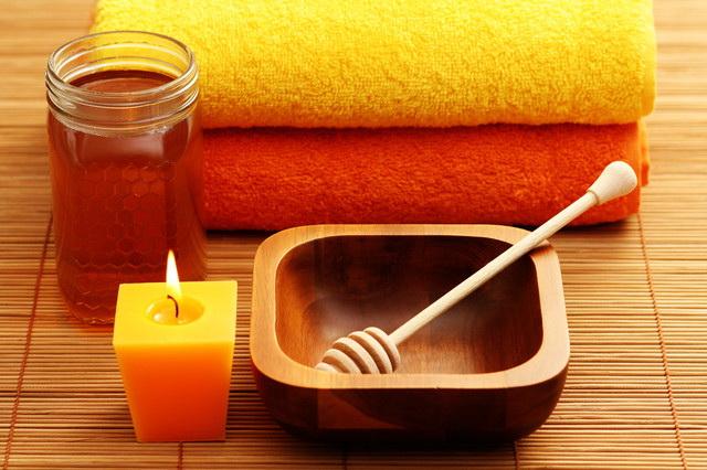 Картинки по запросу Антицеллюлитный медовый массаж..фото