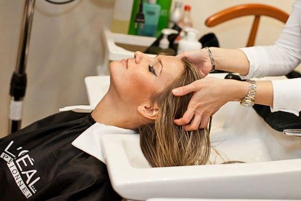 в каких салонах в казани применяют газожидкостный пилинг для волос