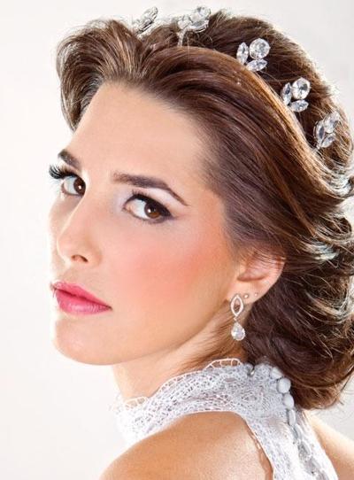 Свадебная прическа в греческом стиле на короткие волосы