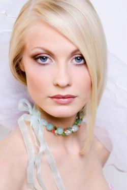 Макияж для блондинок с серо-голубыми глазами