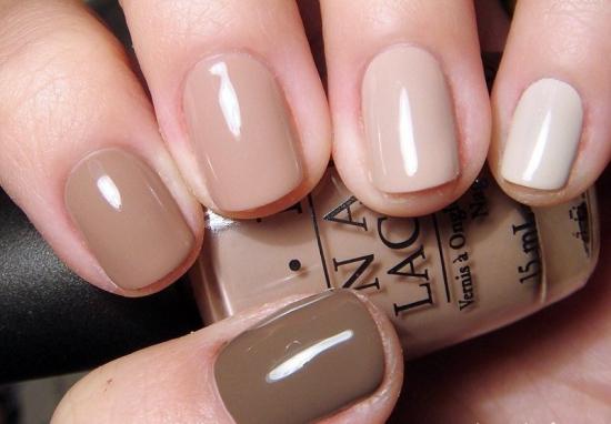 коричневый градиент на ногтях
