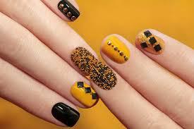 Декор на коротких ногтях