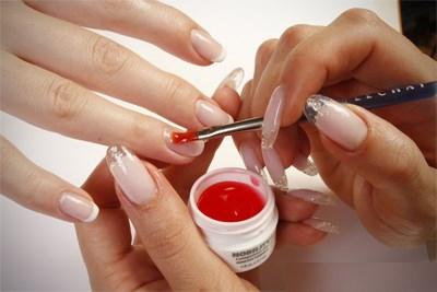 Наращивание или укрепление ногтей биогелем