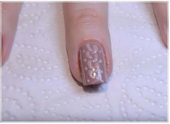 Почему гелевые ногти отслаиваются по краю