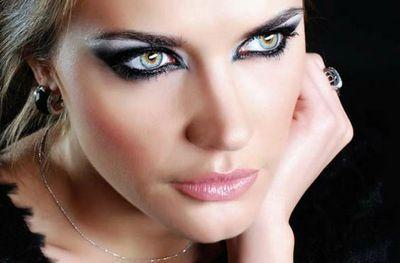 Какой цвет волос подходит для серо-голубых глаз фото пошагово