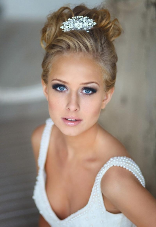 Свадебный макияж для голубых глаз блондинки фото