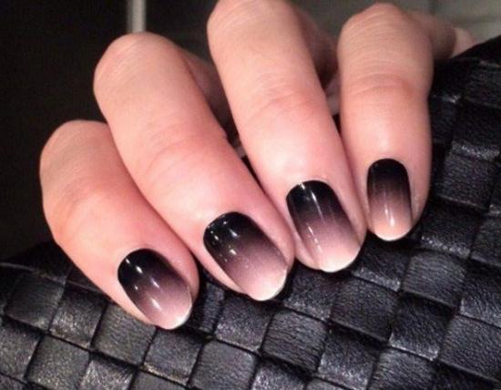Красно черный градиент на ногтях