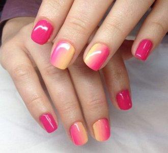 розовый градиент на ногтях