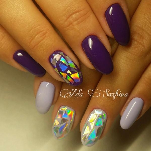 Дизайн битое стекло на ногтях фиолетовый
